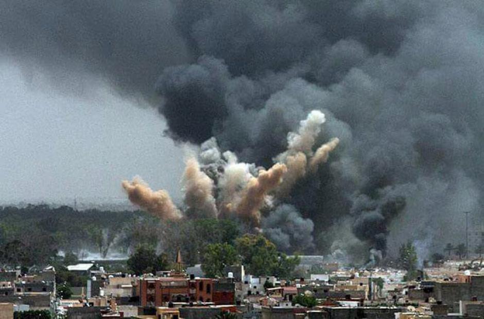 Al filo de las 2 de la tarde con 50 minutos comenzó una explosión en el interior del mercado. (Foto: Sopitas)