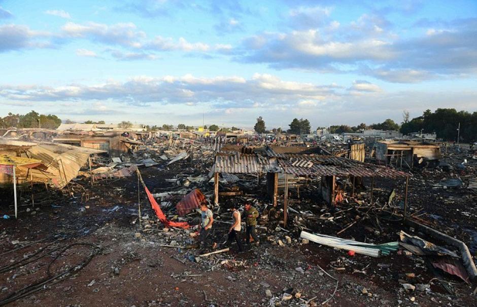Hay por lo menos 100 desaparecidos. (Foto: Sopitas)