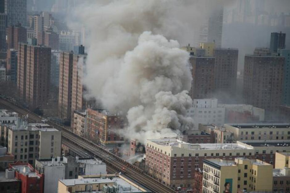 La explosión se pudo sentir a varias cuadras del lugar de origen. (Foto: Twitter)