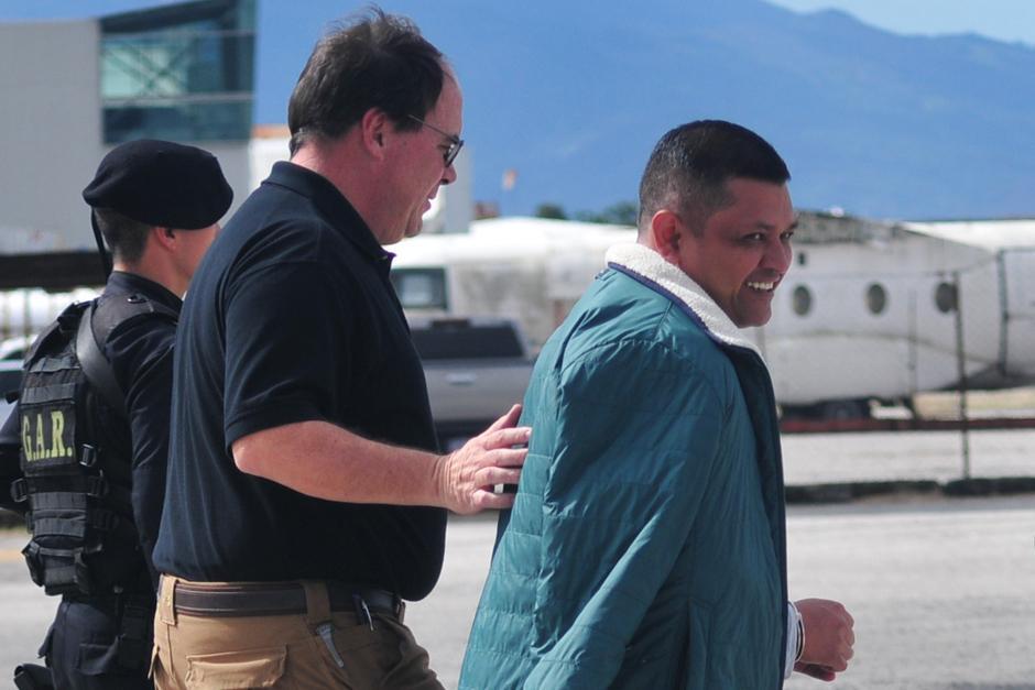 """El presunto narcotraficante Mauro Salomón Ramírez, alias """"León de mar"""", fue extraditado el 8 de diciembre hacia los Estados Unidos, quien lo reclama por trasegar drogas hacia dicho país. (Foto: Alejandro Balán/Soy502)"""
