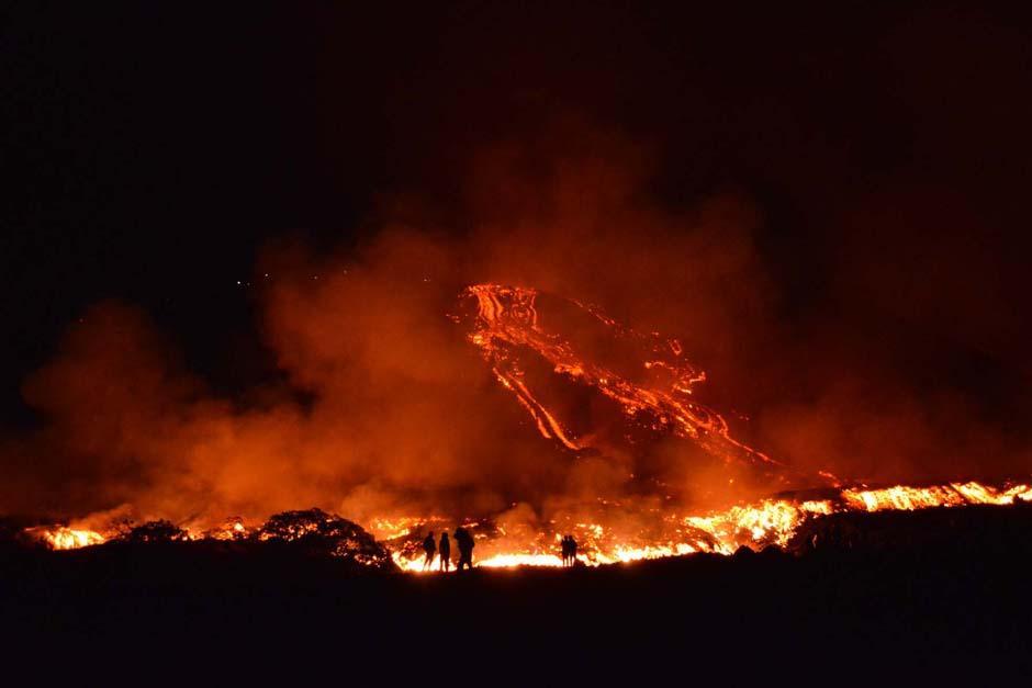 La actividad del volcán Pacaya comenzó a crecer desde el lunes y hasta por la mañana disminuyó