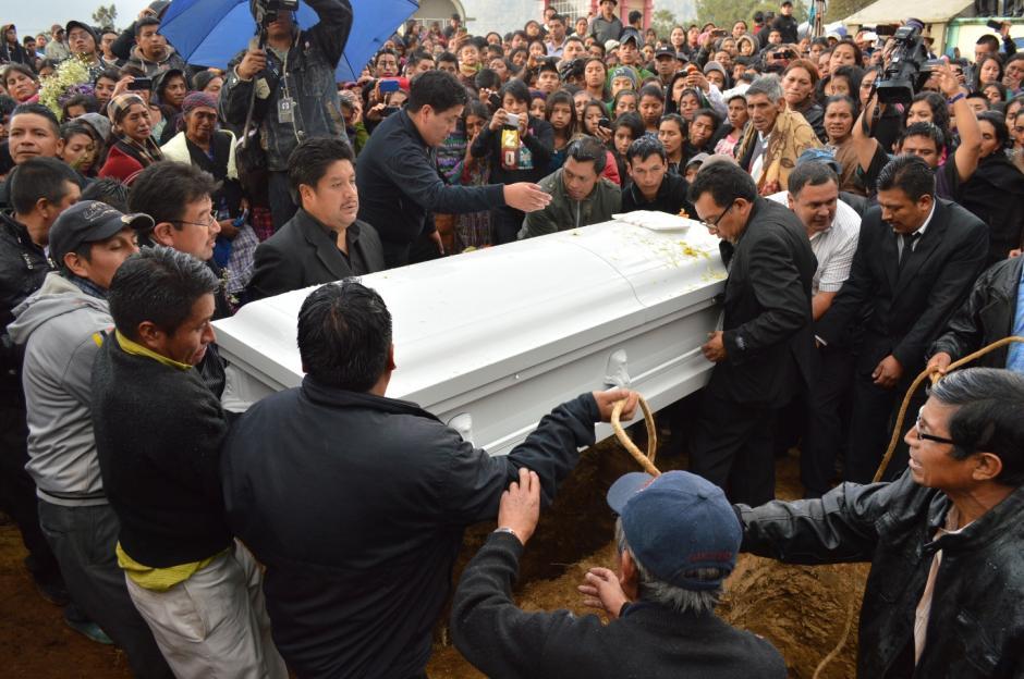El Cementerio Candelaria de la Comunidad de Juchanep recibió los cuerpos de Deisy y sus dos hijas. (Foto: José García)