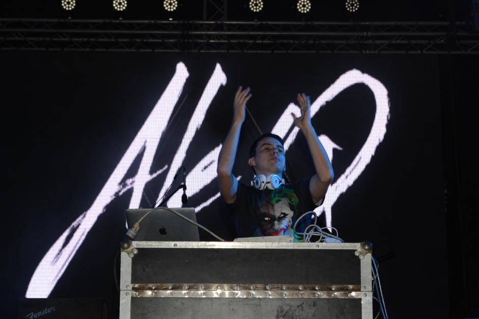 """""""Ale Q"""" fue uno de los artistas más ovacionados en Panajachel. (Foto: Carlos Duarte/Nuestro Diario)"""