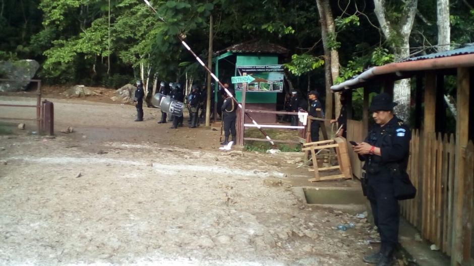Según las autoridades, en el lugar se realizaban cobros indebidos. (Foto: PNC)