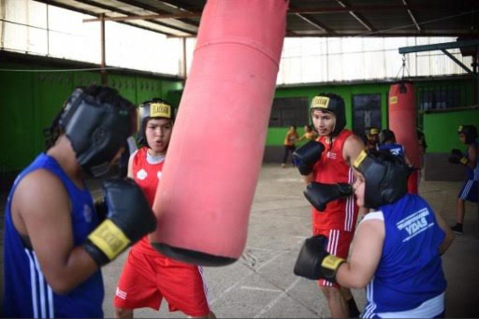El boxeo es un medio para alejar a los jóvenes de las pandillas. (Foto: AFP)