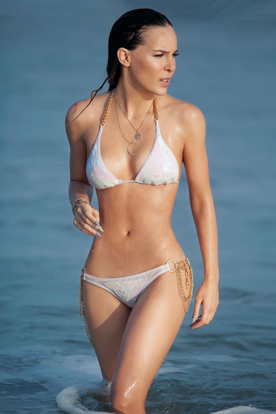 Belinda no pasa desapercibida en ninguna parte, menos en la playa. (Foto: El Factor X)