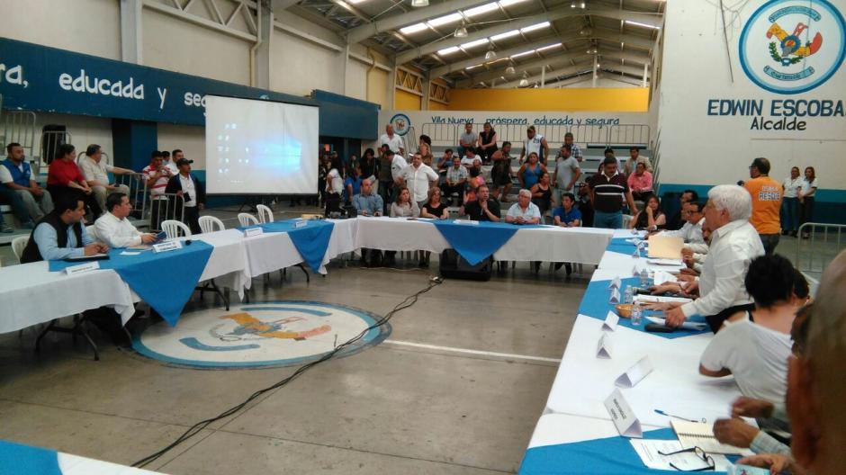 La mesa de diálogo para tratar el tema de la cárcel en Villa Nueva quedó suspendida. (Foto: Ministerio de Gobernación)