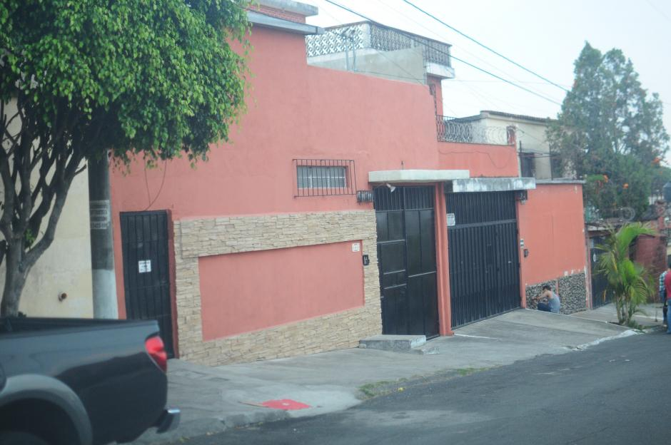 En esta casa particular funciona la empresa que recibió un contrato por 1.7 millones de quetzales. (Foto: Alejandro Balán/Soy502)