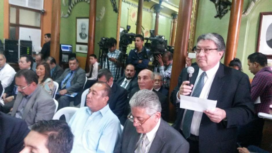 Durante la época electoral, Taracena y Fajardo representaban a la UNE en las sesiones del Tribunal Supremo Electoral. (Foto: Archivo/Soy502)