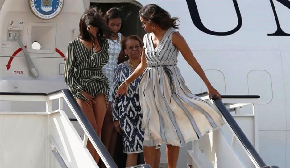 El viento les jugó una mala pasada a las mujeres de la Casa Blanca en Madrid. (Foto: Eldigitalcastillalamancha)