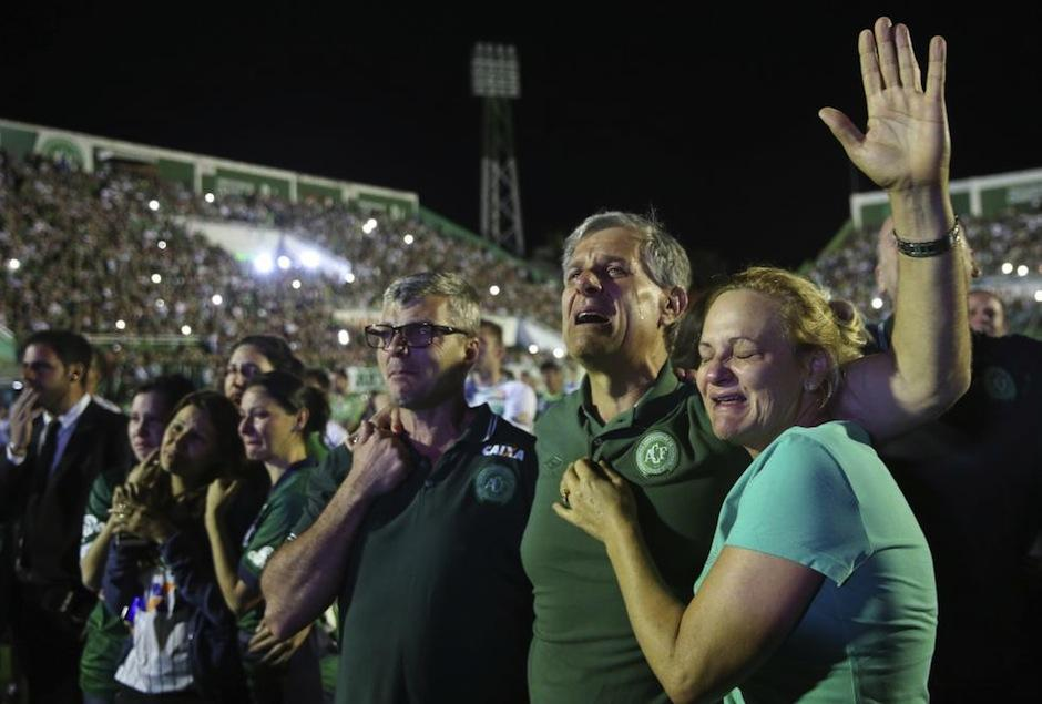 Familiares de las víctimas del Chapecoense han recibido una mala noticia. (Foto: El País)