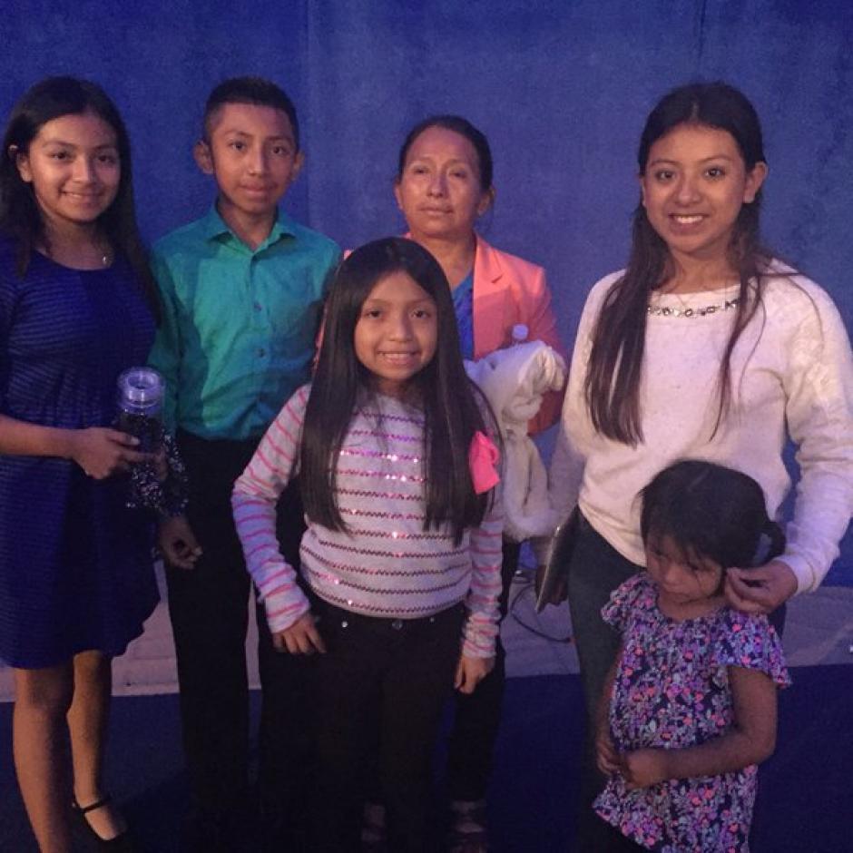 Lucía y sus cinco hijos esperan no sufrir represalias de seguidores de Trump. (Foto: Twitter)