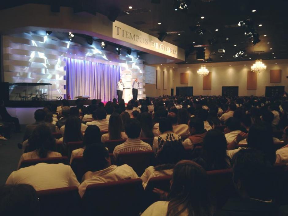 A los encuentros asisten unos 40 jóvenes de 20 años en adelante. (Foto: Facebook, Iglesia Tiempos de Gloria)