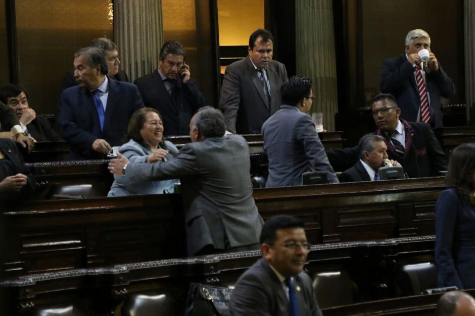 Diputados de FCN festejaron los nombramientos. (Foto: Alejandro Balán/Soy502)