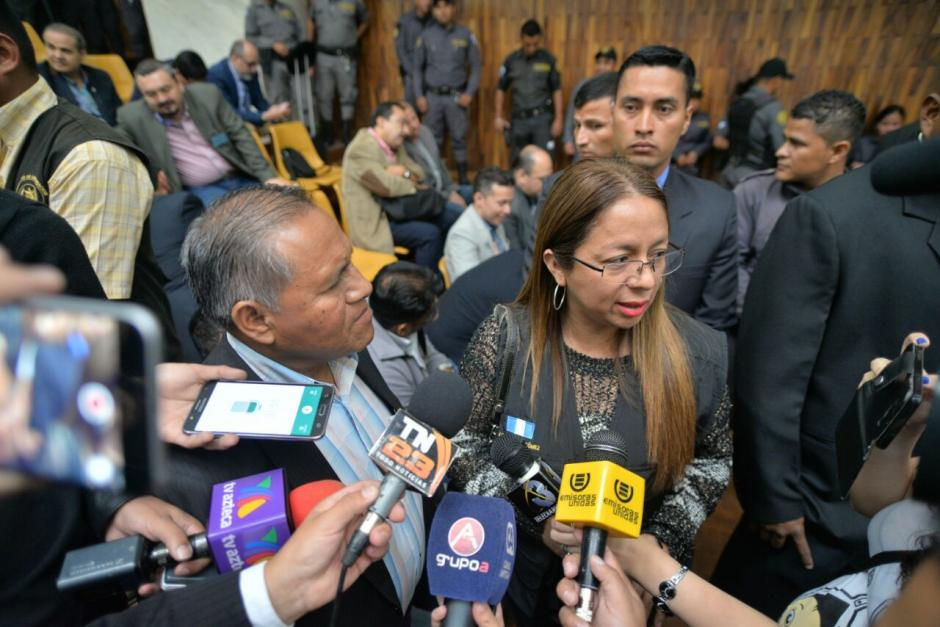 La funcionaria también asistió para verificar el trabajo de los guardias de la CSJ. (Foto: Wilder López/Soy502)
