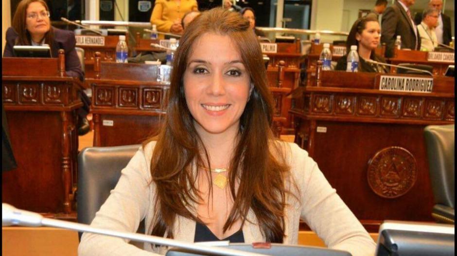La exdiputada cree que puede tratarse de una campaña negra. (Foto: Feli Cristales/Facebook)