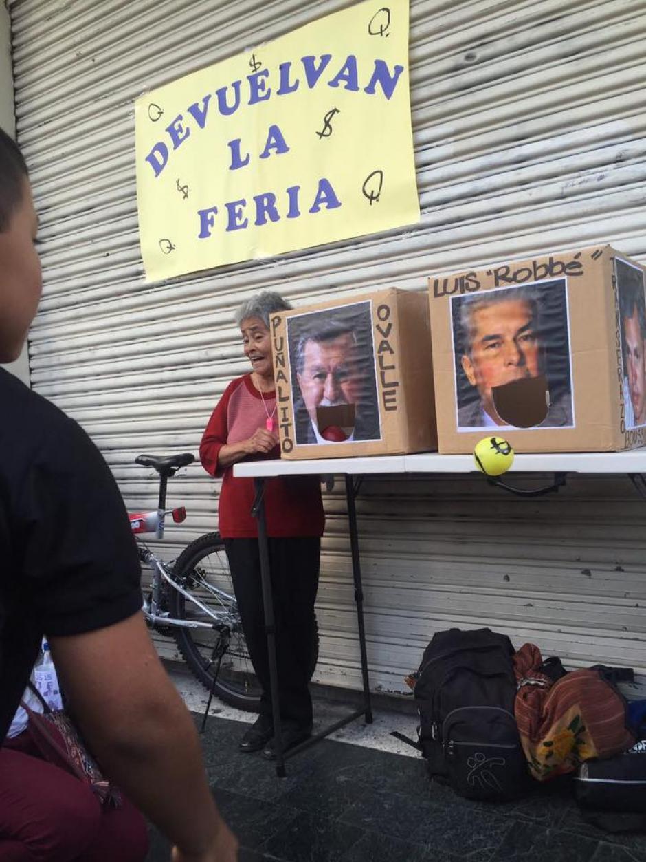 El expresidente del Congreso, Luis Rabbé, es uno de los personajes de los juegos. (Foto: JusticiaYa/Facebook)