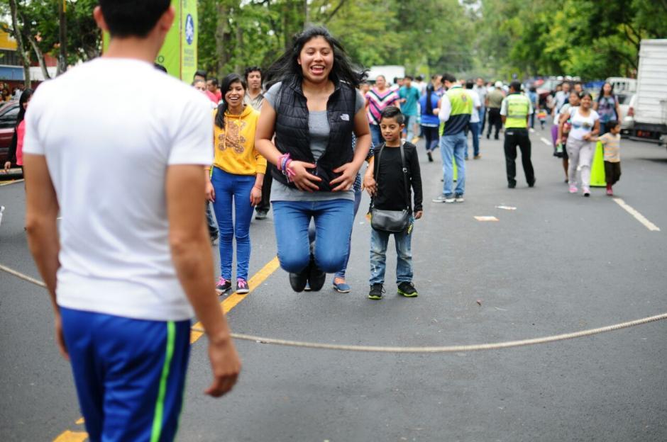 Los juegos de antaño estuvieron presentes en la feria. (Foto: Alejandro Balán/Soy502)
