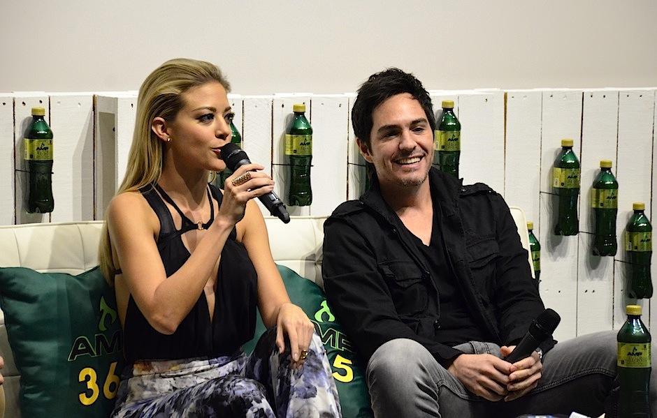 Fernanda Castillo y Mauricio Ochmann disfrutaron un momento con medios nacioanles. (Foto: Selene Mejía/Soy502)