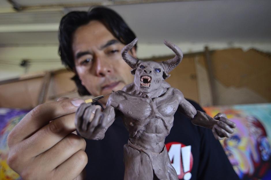 Fernando Gálvez es especialista en maquillaje para efectos especiales. (Foto: Selene Mejía/Soy502)