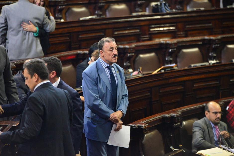 El parlamentario del PAN ofrece incrementarle el sueldo a sus compañeros si queda como presidente. (Foto: Archivo/Soy502)
