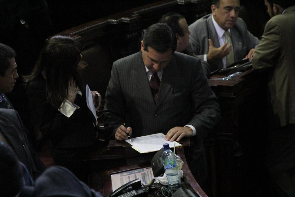 El diputado Fernando Pérez, del Partido Republicano Institucional (PRI), firmó la moción privilegiada (Foto: Jesús Alfonso/Soy502)