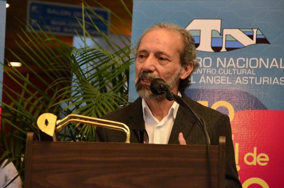 El director del centro Cultural, Álvaro Veliz invita a la población a asistir. (Foto: Selene Mejía/Soy502)