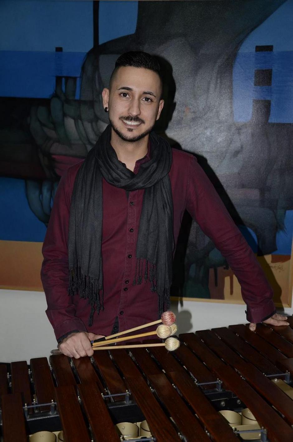 Conrado Moya de España muestra que en europa la marimba está sonando fuerte. (Foto: Stanley Herrarte/Soy502)