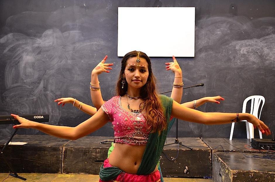 Danzas de la India, conectadas con la madre tierra fueron el centro de atención . (Foto: Selene Mejía/Soy502)