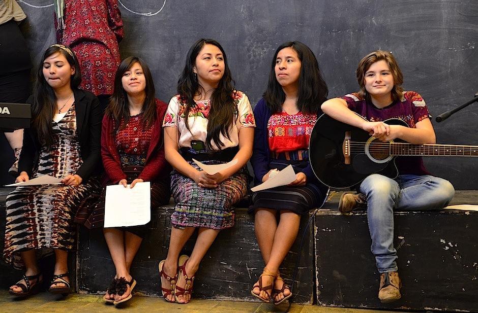 """Mujeres con una gran voz dijeron """"presente"""". (Foto: Selene Mejía/Soy502)"""