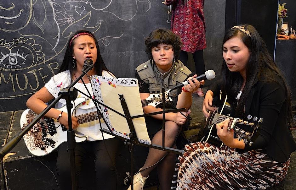 """""""Sentimiento entre cuerdas"""" estrenó una canción en escena. (Foto: Selene Mejía/Soy502)"""