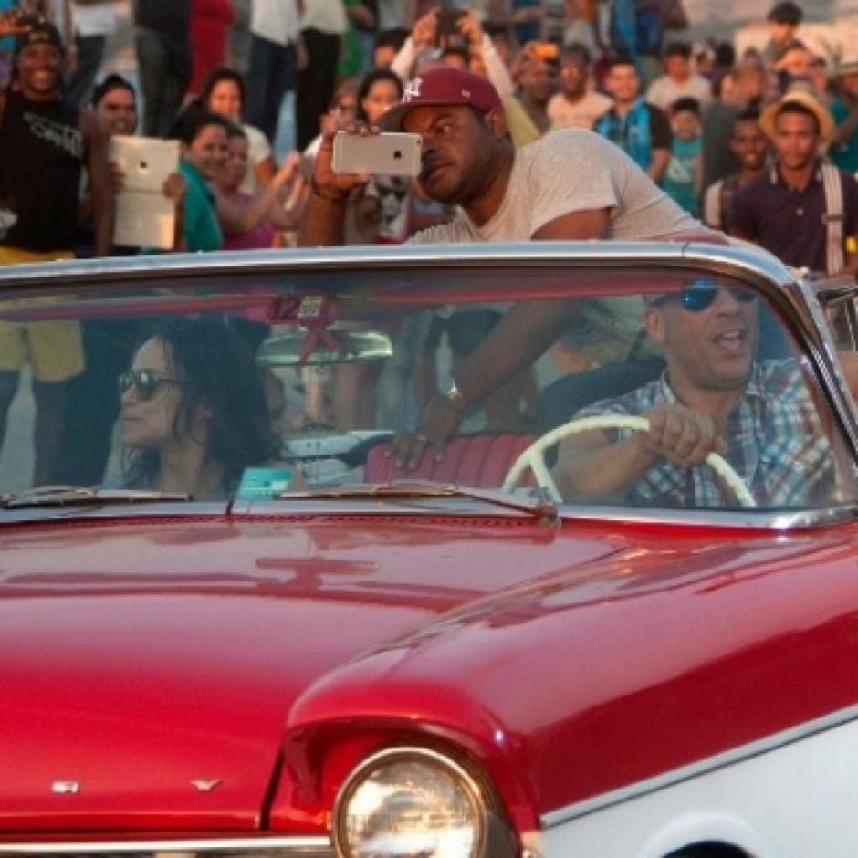 Los cubanos disfrutaron del rodaje en primera fila. (Foto: 100noticias.com.ni)