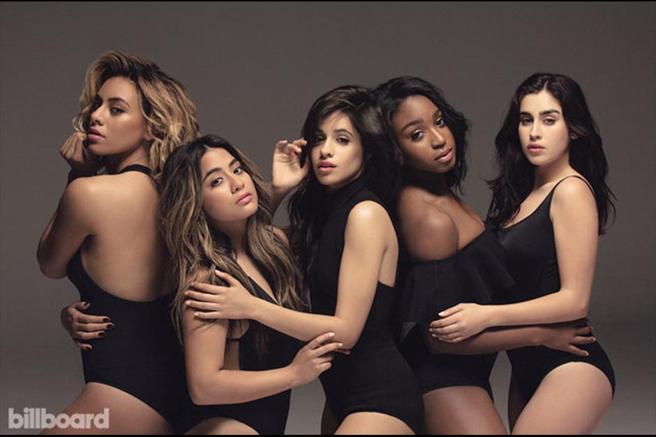 Billboard se ha defendido publicando una portada con otra foto del grupo diciendo que la imagen con dos pies derechos no era la portada. (Foto: Billboard)