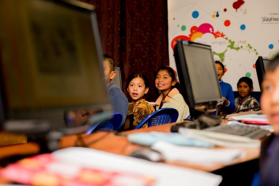 Ya se han instalado 25 aulas virtuales en el país. (Foto: Carlos López Ayerdi/Fundación Telefónica)