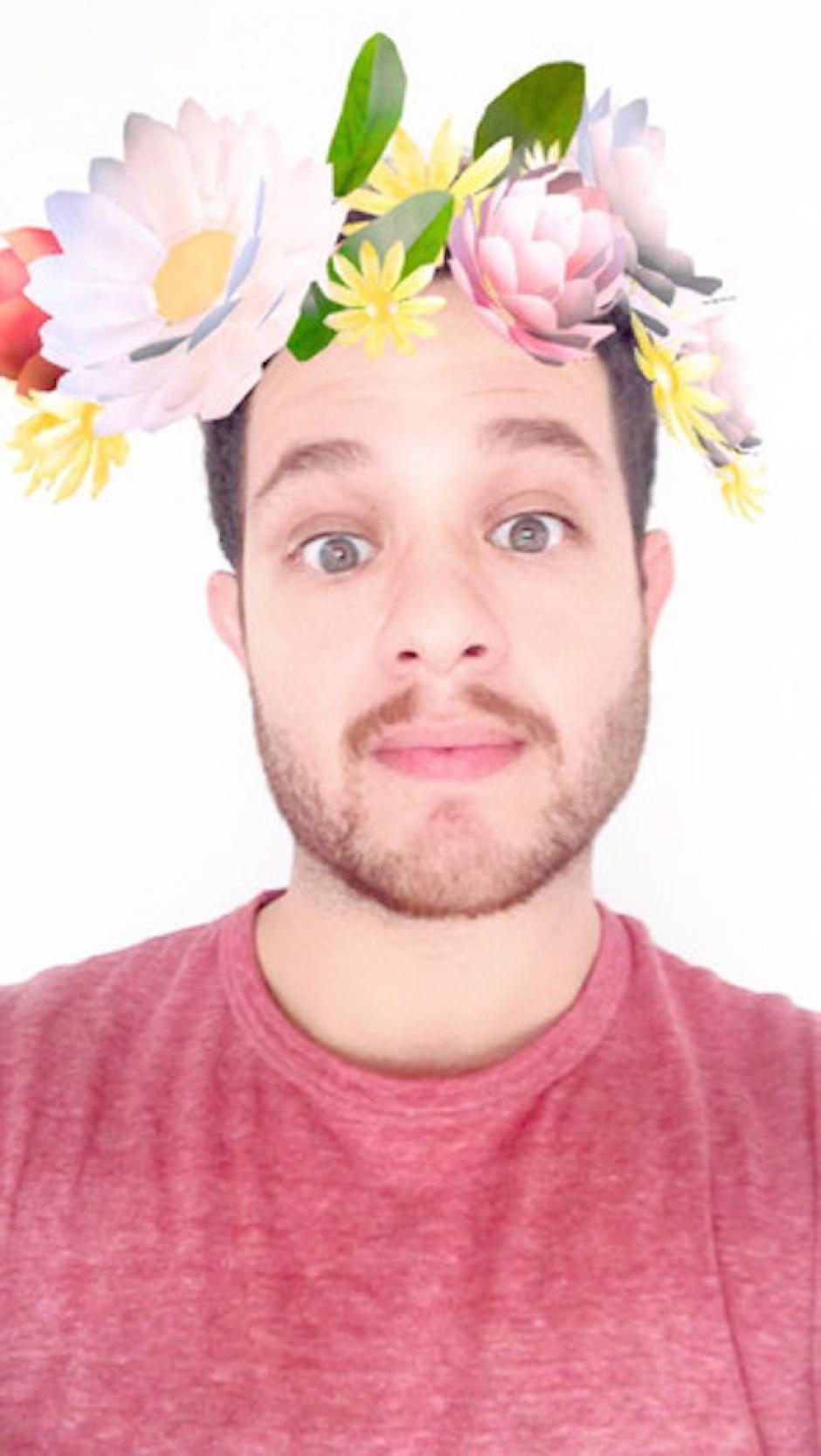 Corona de flores. (Foto: Markosmos/Snapchat)