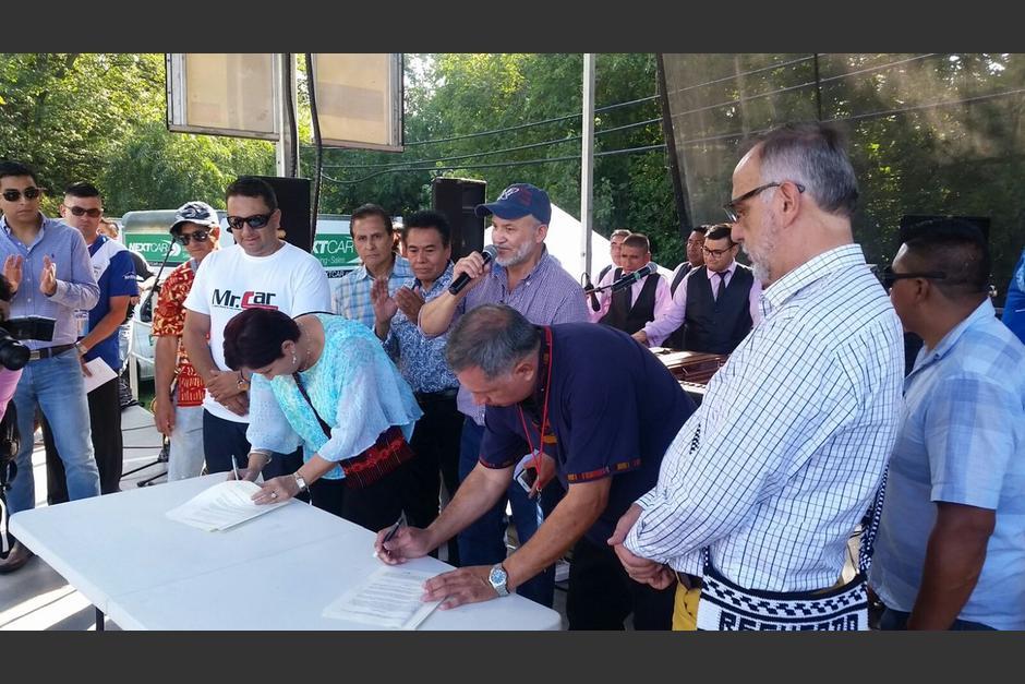 La Fiscal General, Thelma Aldana firmó un convenio de donación en EE.UU. (Foto: Ministerio Público)