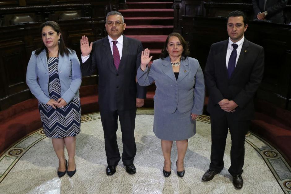 Flor de María Chajón y Marco Orozco representarán al Congreso ante la Junta Monetaria. (Foto: Alejandro Balán/Soy502)