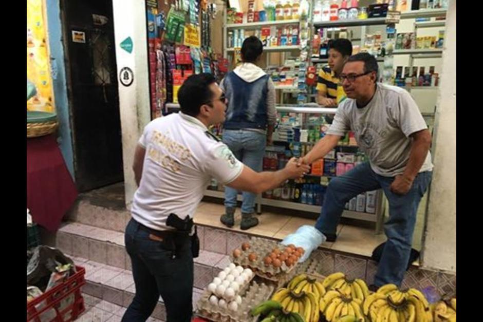 """Neto Bran, alcalde de Mixco, denunció las extorsiones y trasladó su oficina a dicho lugar para """"declararle la guerra"""" a los pandilleros. (Foto: MuniMixco)"""