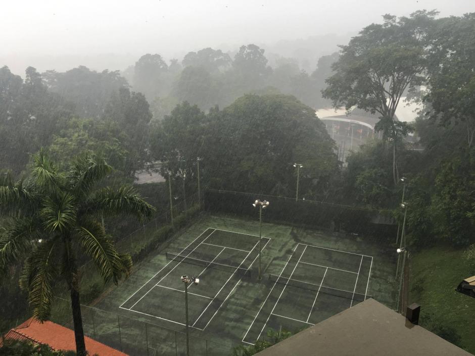 La lluvia impidió que la Selección Nacional saliera al entreno. (Foto: Luis Barrios/Soy502)