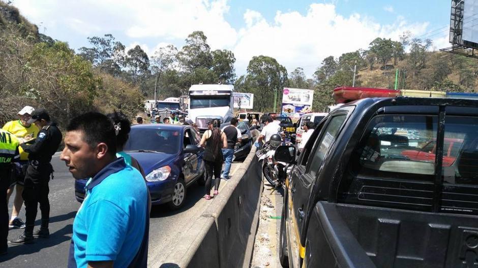 Los bomberos únicamente atendieron a personas con crisis nerviosa. (Foto: Pampichi News Amatitlán)