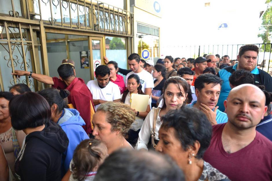 Muchas personas se quejaron por fallas en la página del Conap. (Foto: Jesús Alfonso/Soy502)