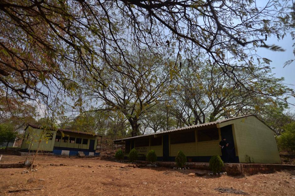 La escuela está ubicada en un terreno sin construcciones cercanas. (Foto: Wilder López/Soy502)