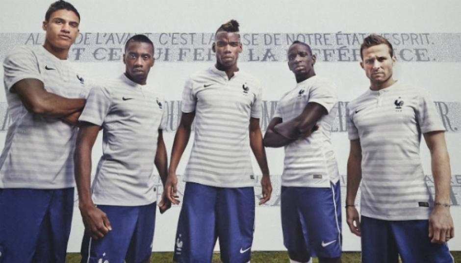4ace562599 Francia  nbsp nadie hace rayas mejor que el francés y estos uniformes son  una