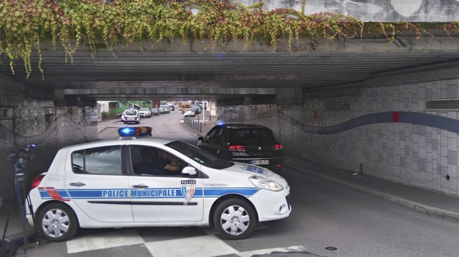 Los dos atacantes iban armados con cuchillos y fueron abatidos por las fuerzas de seguridad. (Foto: EFE)