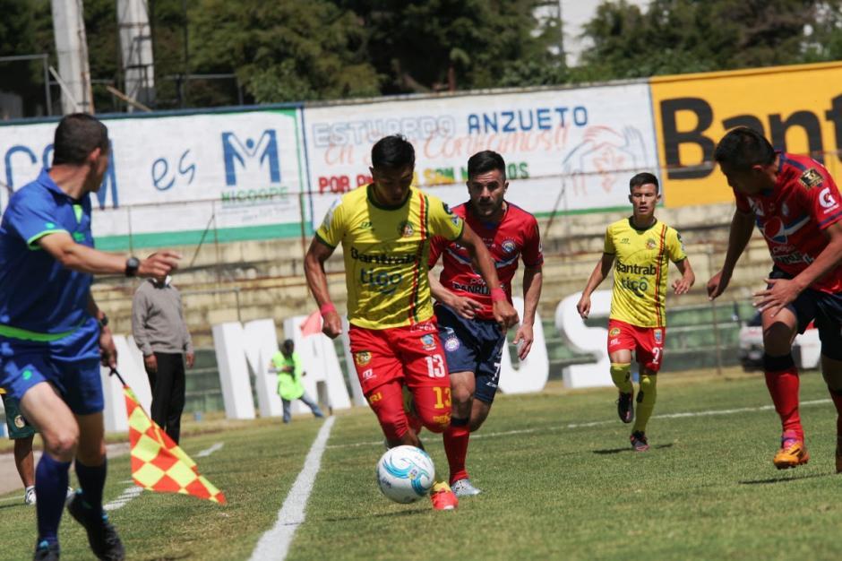 Los Leones de Marquense están en la cima de la clasificación con 7 puntos en tres juegos. (Foto: Nuestro Diario)