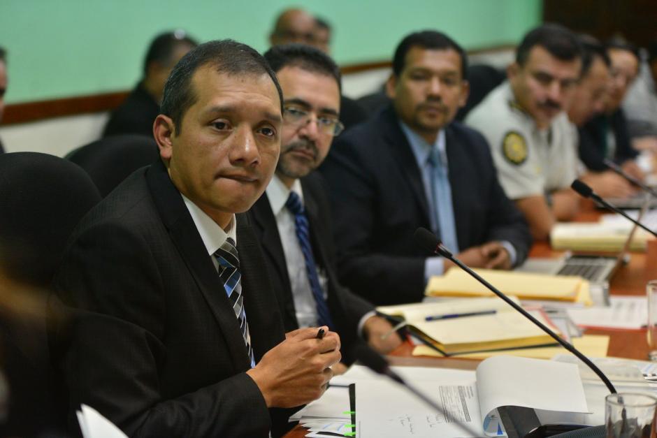 El Ministro de Gobernación, Francisco Rivas, niega haber ocupado dos plazas en el Estado. (Foto: Archivo/Soy502)