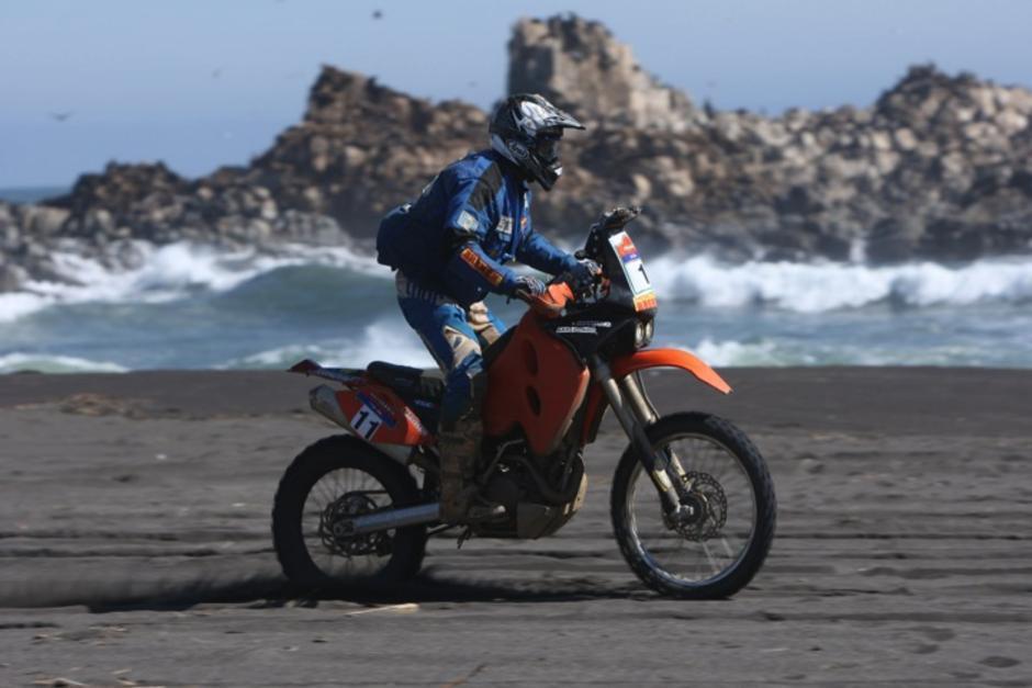 Francisco Arredondo a bordo de su KTM espera nuevamente concluir el Rally Dakar 2014, y superar la posición 37 que ha conseguido en dos oportunidades.