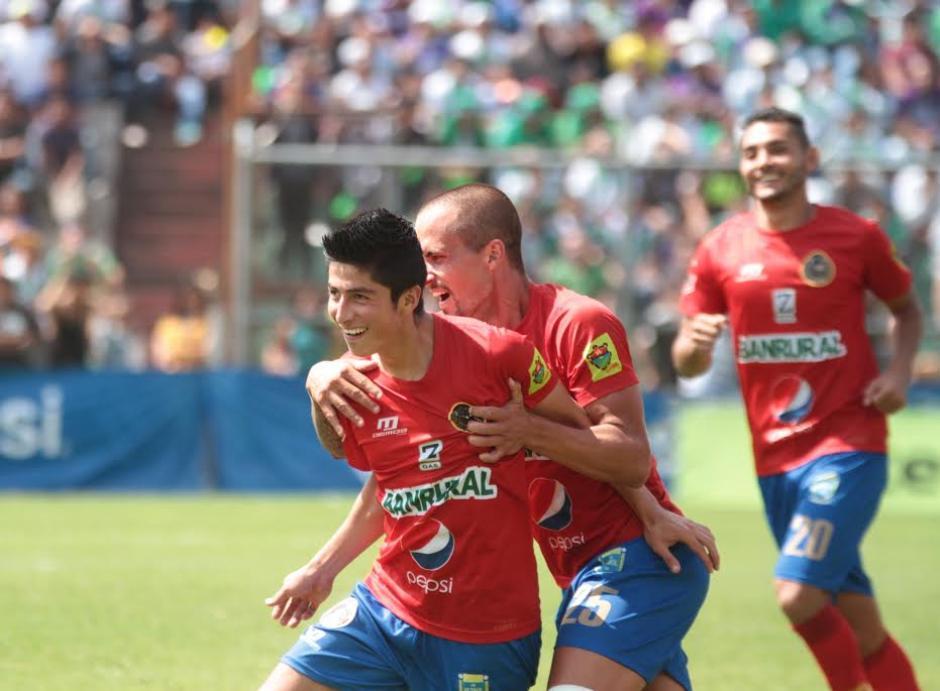 Municipal doblegó a Antigua GFC de visita y es el segundo puesto de la clasificación. (Foto: Luis Barrios/Soy502)