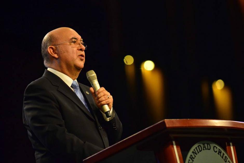 Jorge H. López inició el evento religioso. (Foto: Jesús Alfonso/Soy502)