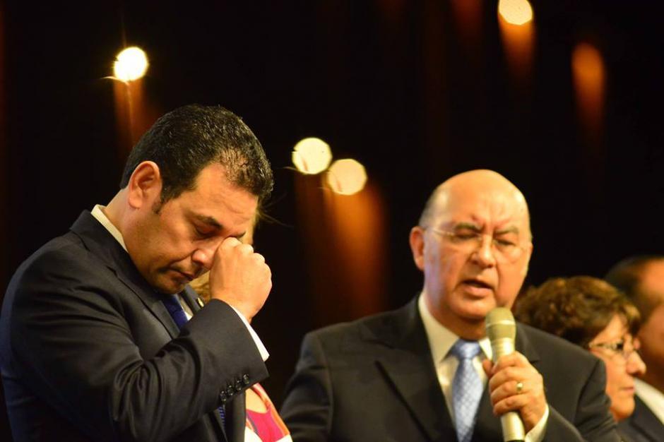 El presidente Jimmy Morales participa del Te Deum evangélico durante su primer día como mandatario. (Foto: Jesús Alfonso/Soy502)